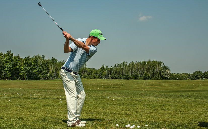 Průměrná délka golfového odpalu podle holí