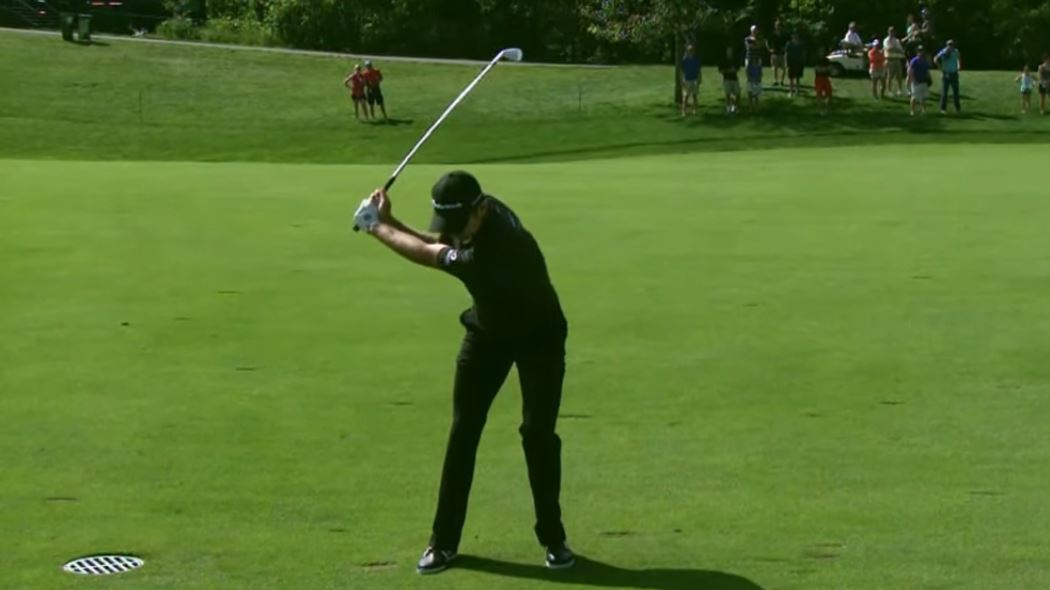 Zpomalený golfový švih