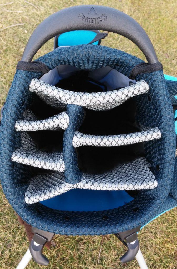 7 oddělených komor golfového bagu Callaway Hyper-Lite 5