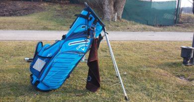 Recenze: Golfový stand bag Callaway Hyper-Lite 5