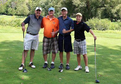 Čtyři hráči golfu