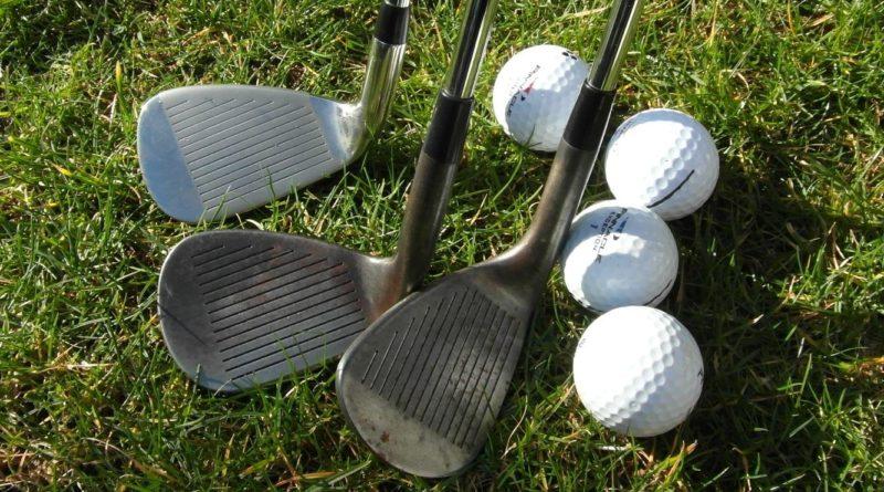 Golf hra čtyřmi míči - four ball