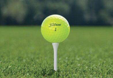 Žlutý golfový míček