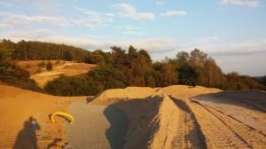 Budoucí jamkoviště tříparu s odpalištěm na kopci
